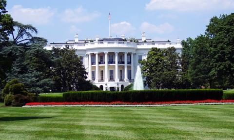 Biały Dom: prezydenci Biden i Macron uzgodnili powrót ambasadora Francji do USA