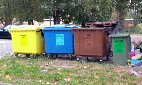 Tylko połowa Polaków dobrze segreguje śmieci