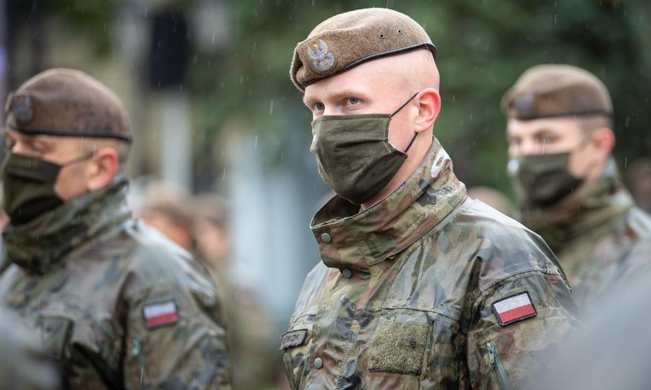 Błaszczak: Obowiązkiem żołnierzy jest się zaszczepić