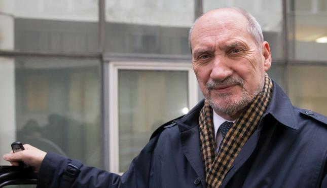 Macierewicz: Audyt w MON wskazuje na korupcję