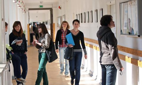 Sejmowa komisja edukacji za projektem o monitoringu karier absolwentów szkół średnich