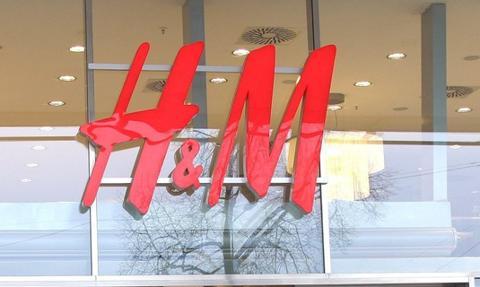 H&M, Rossmann i Scania. Przybywa sklepów internetowych