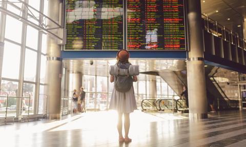 """13 państw UE przystąpiło do programu """"Zielony Paszport"""", który ma ułatwić podróżowanie"""