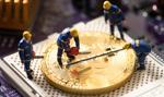 """Bitcoin na krawędzi. Czy """"halving"""" zapowiada nową megahossę?"""