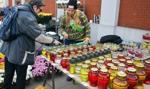 Warszawa pomoże sprzedawcom kwiatów i zniczy