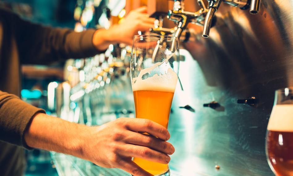Jak ożywić biznes po lockdownie? Bar w Danii oferuje test na COVID-19 i piwo