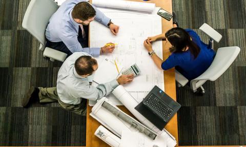 CBOS: większość pracowników pozytywnie ocenia sytuację w swoich zakładach pracy