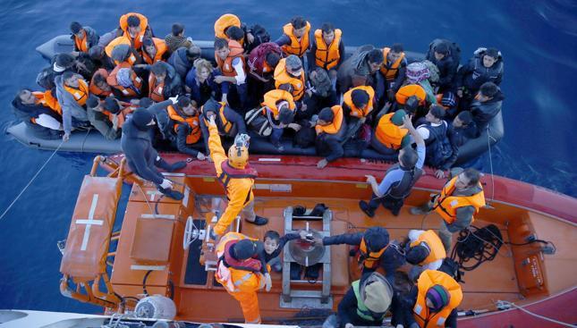 W ciągu 6 dni do Włoch przybyło 13 tys. migrantów. W sobotę uratowano 668 osób