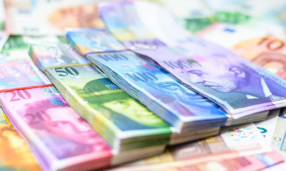Frankowcy i banki idą na ugody