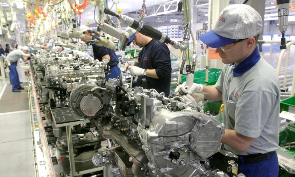 30 proc. firm produkcyjnych musiało zredukować zatrudnienie