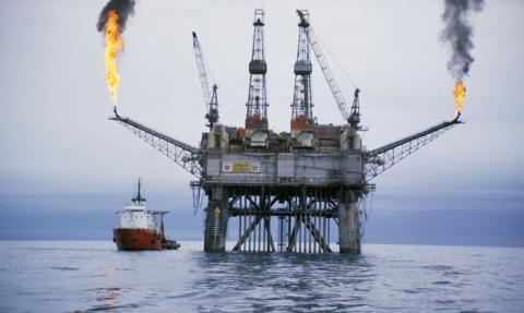 Silne spadki cen ropy na globalnych giełdach paliw