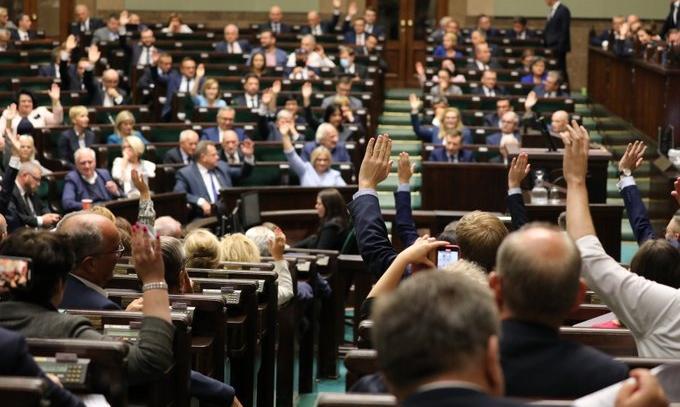Sejm uchwalił nowelizację ustawy o monitorowaniu jakości paliw