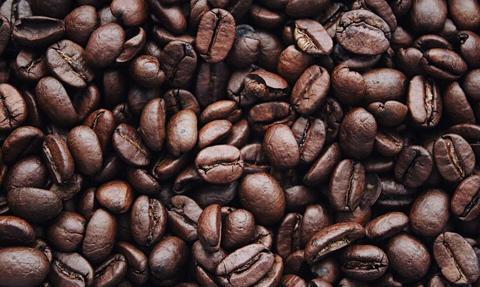 Wyłudzili ponad 6 mln zł VAT-u w fikcyjnym obrocie kawą i kremem czekoladowym