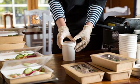 Francja nie chce marnować jedzenia. W restauracjach obowiązek proponowania tzw. doggy bag