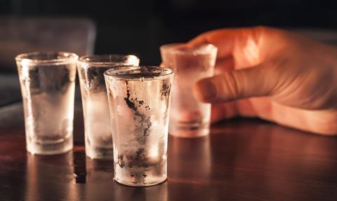 W Nottingham ograniczenia w sprzedaży alkoholu z powodu epidemii