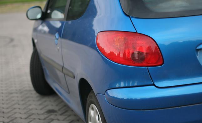 Zaniżanie wartości pojazdu przed szkodą - jedna z częściej odnotowywanych praktyk
