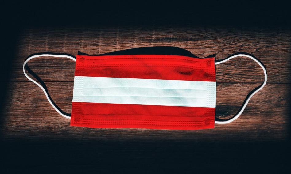 Prawie 400 sfałszowanych certyfikatów covidowych w Austrii. Policja zwiększa kontrole