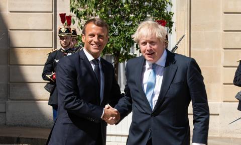 Premier Johnson: Nasza miłość do Francji jest niezachwiana