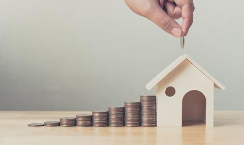 Dlaczego na obniżkę rat hipoteki trzeba tak długo czekać?