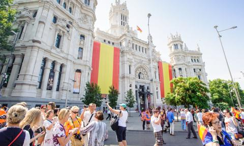 Hiszpania podniesie płacę minimalną mimo bezrobocia wśród młodych ludzi