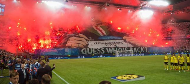 Legia Warszawa - Ajax Amsterdam. Pieniądze w LE mniejsze niż w LM