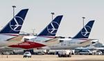 LOT chce 2-letniego postojowego dla pilotów i stewardess