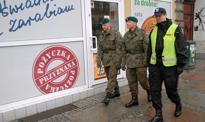 Wojsko będzie patrolować ulice z policją