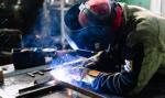 Więcej pracy w przemyśle i coraz wyższe zarobki