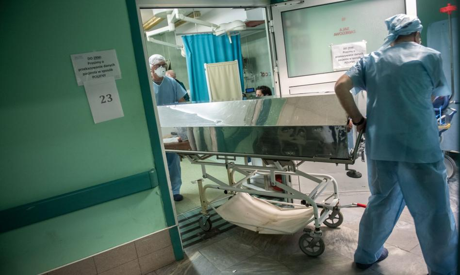 GUS: w 2020 prawie 68 tys. zgonów więcej niż w 2019 roku