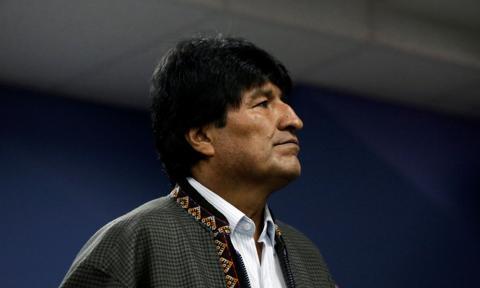 Evo Morales prowadzi w wyścigu o prezydencki fotel w Boliwii
