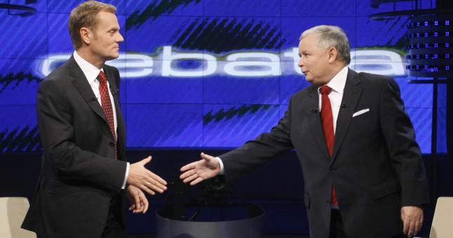 W trakcie debaty z 2007 r. Donald Tusk pytał Jarosława Kaczyńskiego o wzrost cen chleba, ziemniaków, jabłek i kurczaków.