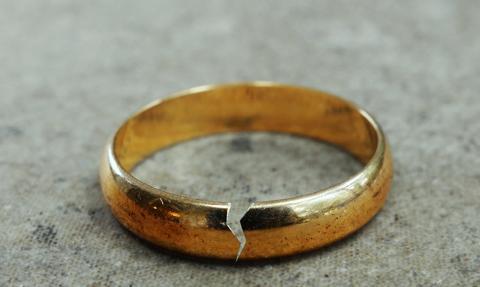 Wciąż trudno o szybki proces rozwodowy