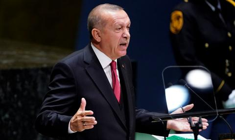 """Erdogan wzywa do zakończenia """"niepokojących"""" wydarzeń w Donbasie i oferuje pomoc"""