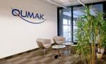 Sąd postanowił zabezpieczyć majątek Qumaka i zawiesić postępowanie egzekucyjne