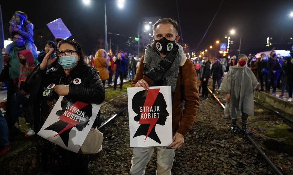 W polskich miastach trwają protesty przeciwko wyrokowi TK ws. aborcji