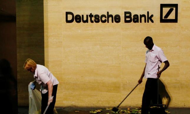 Plotki o fuzji wspierają notowania Deutsche Banku i Commerzbanku