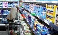 Inflacja lekko wyhamowała. Żywność wciąż mocno drożeje