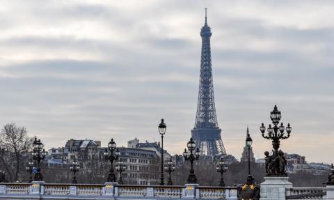 Amnesty International: Francja nadużywa stanu wyjątkowego i ogranicza prawa obywatelskie