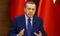 """Turcy podnoszą stopy tak, aby """"sułtan"""" nie widział"""