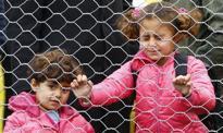 """""""La Stampa"""": KE proponuje do 250 tys. euro kary za nieprzyjęcie uchodźcy"""