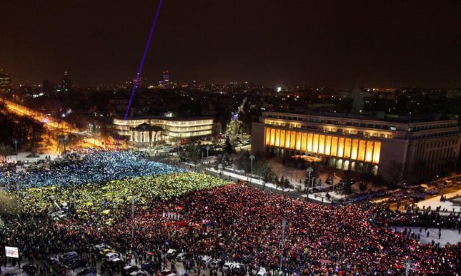 """""""FT"""": Rumunia też oddala się od rządów prawa"""