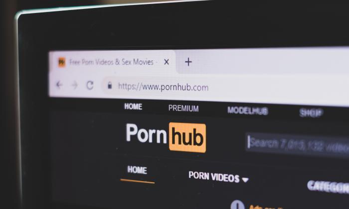 Mastercard i Visa odcinają płatności dla Pornhub
