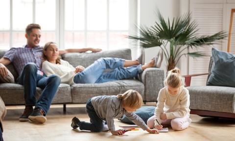 Rząd Szwecji chce wprowadzić dodatkowy tydzień wolnego dla rodziców