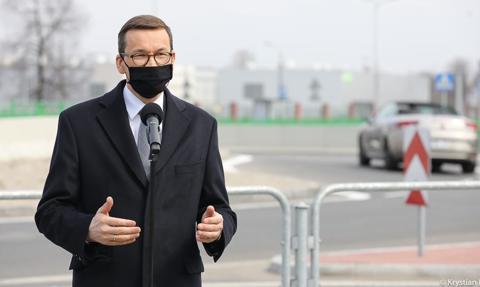 Morawiecki: Ponad 30 mld zł na fundusz dróg lokalnych