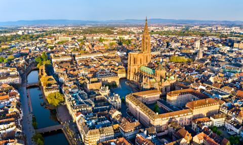 Strasburg dofinansuje budowę największego meczetu w Europie. Szef MSW Francji krytykuje
