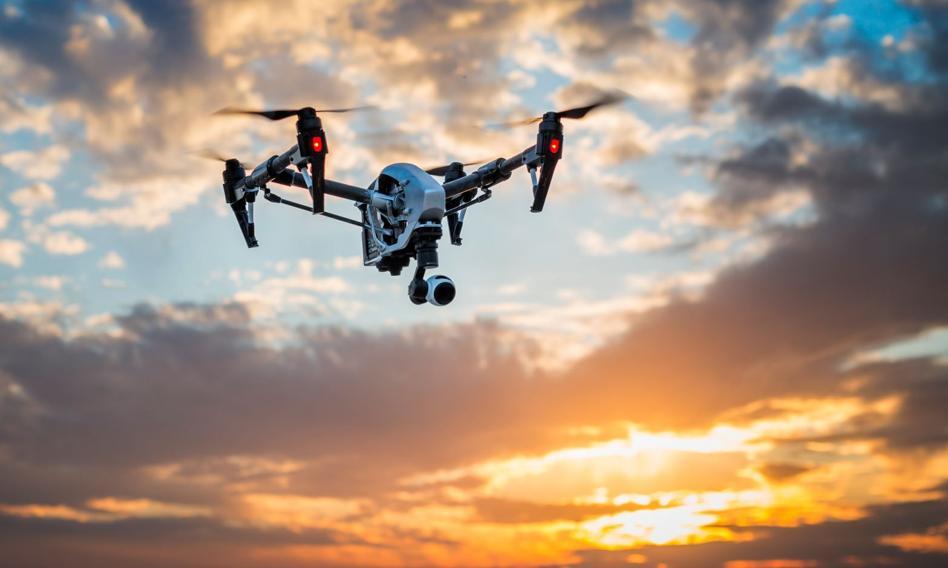 Policja i drony pilnują w Madrycie przestrzegania ograniczenia w przemieszczaniu się