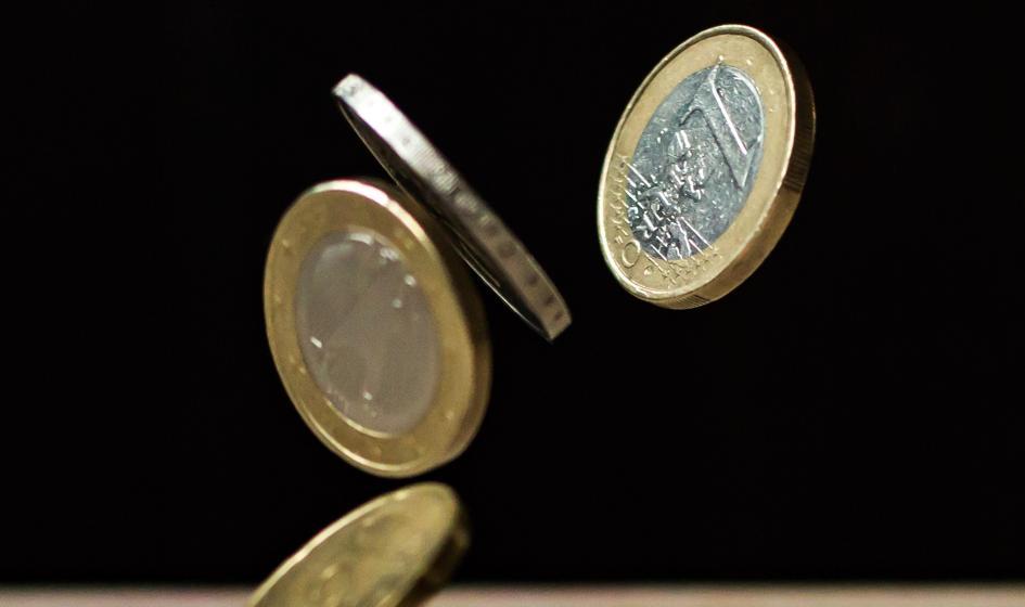 Kurs euro idzie w bok. Funt najniżej od listopada