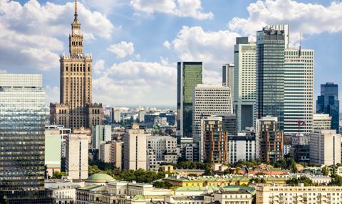 """""""Polska to nadal backoffice dla Europy"""". Młodzi nie chcą jeszcze wracać z zagranicy"""