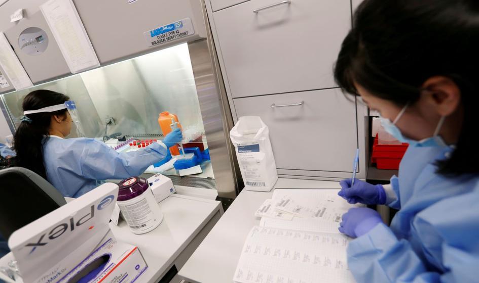 W Izraelu zatwierdzono badania kliniczne japońskiego leku na Covid-19