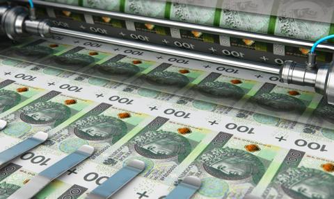 Monetarne tsunami dotarło do Polski [Wykres dnia]
